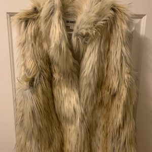 BB DAKOTA FUR VEST, large